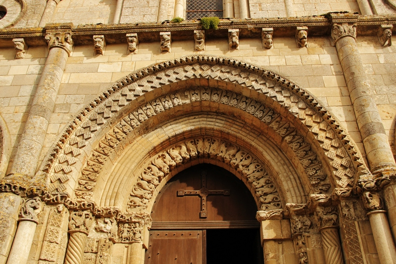portail-eglise-romane-mylittleroad