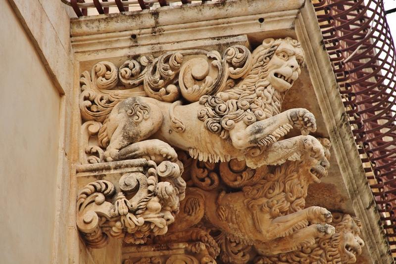 balcon-lions-mylittleroad