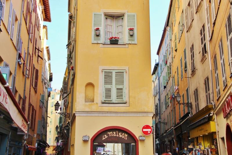 entree-rue-nice-mylittleroad
