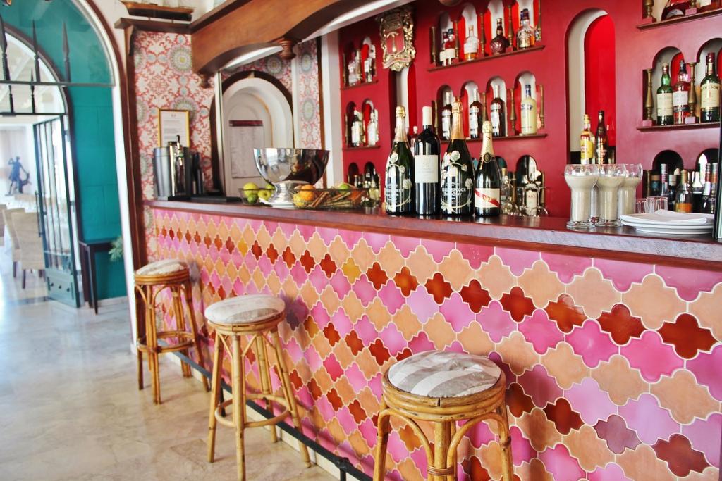 bar-hotel--bendor-mylittleroad