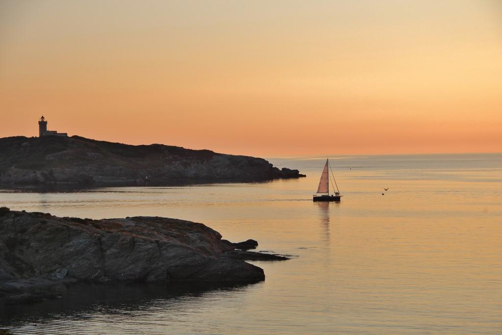 coucher-soleil-bateau-ile-embiez