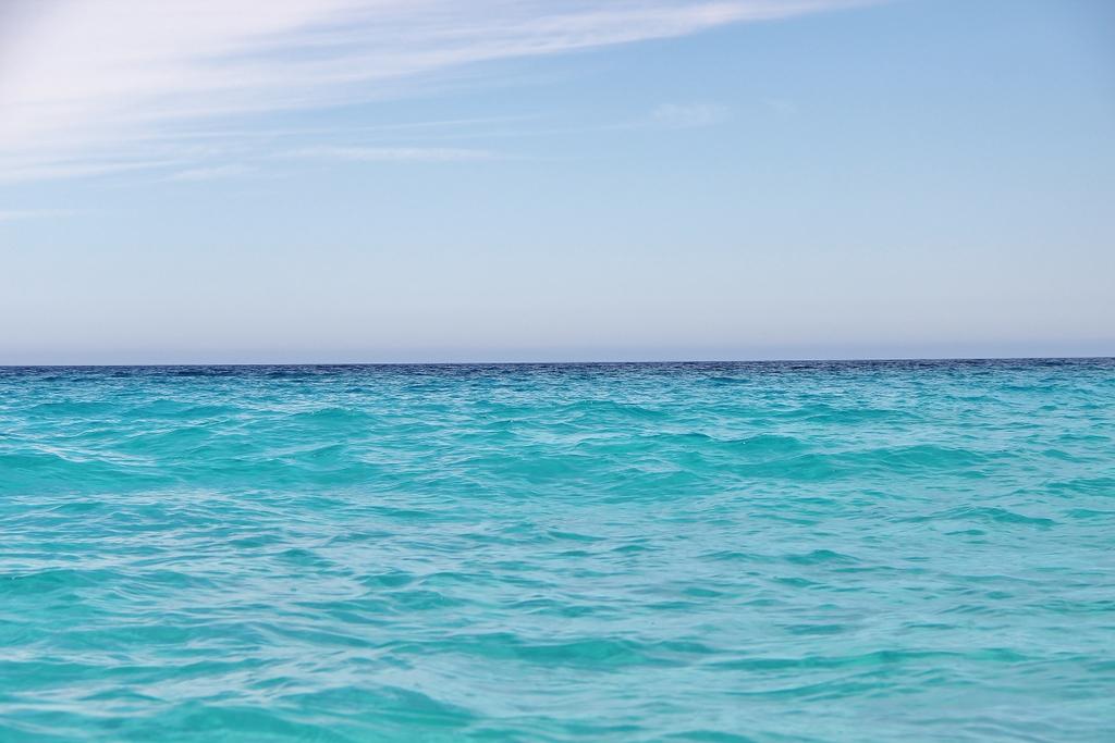 eau-turquoise-bateau