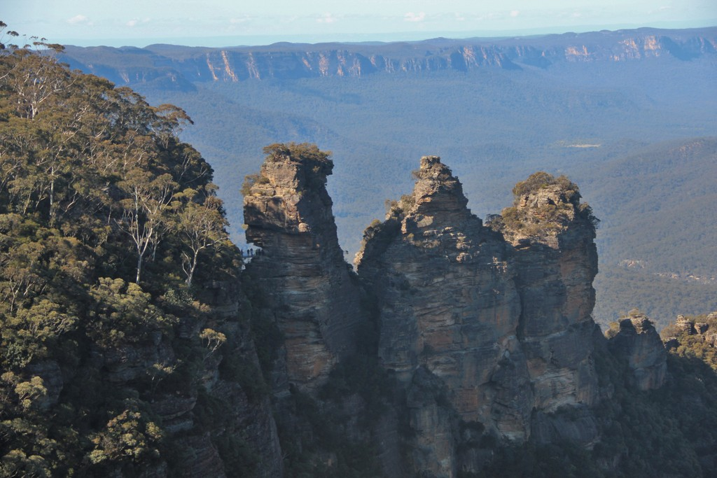 3-sisters-pano-blue-mountains