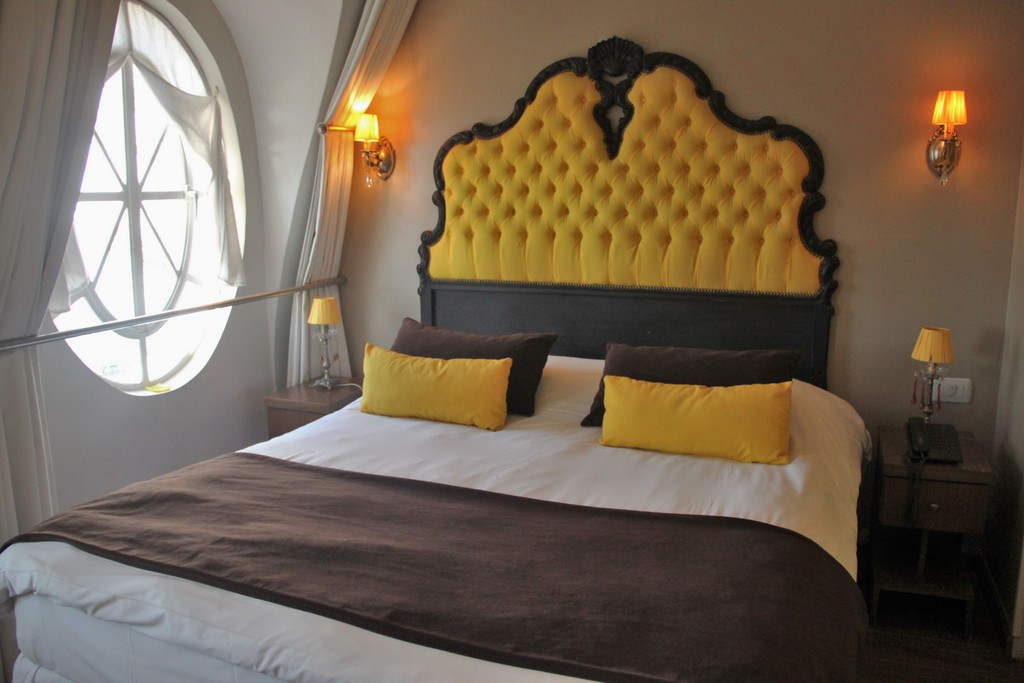 lit-chambre-jaune-hotel-buenos-aires