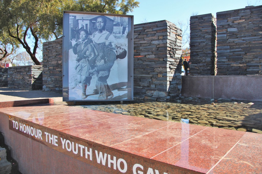 memorial-photos-soweto