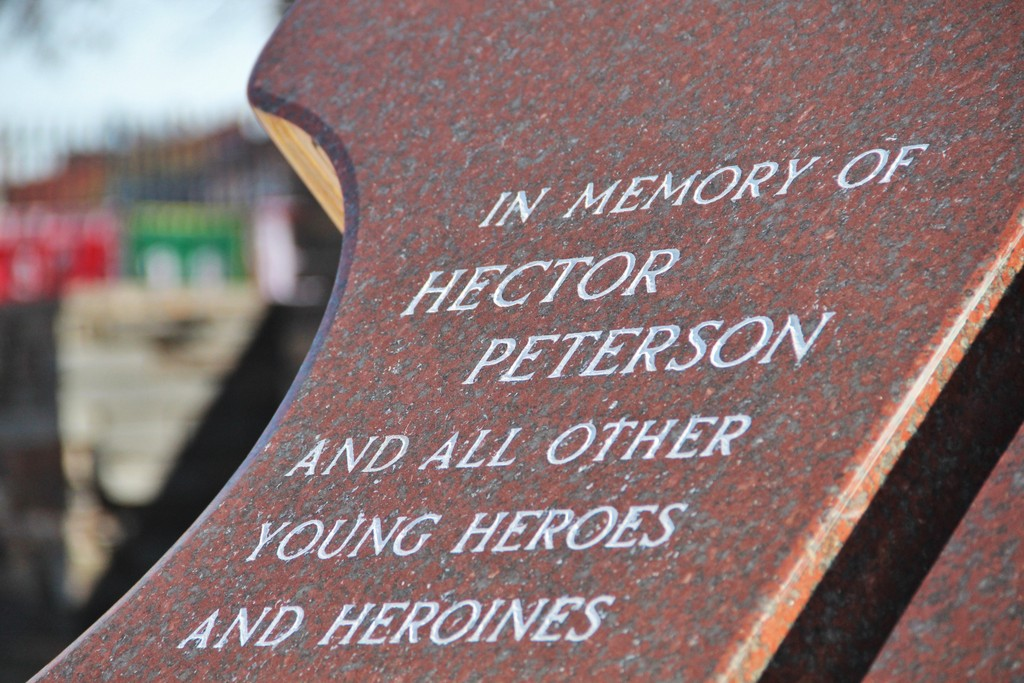 plaque-hector-peterson