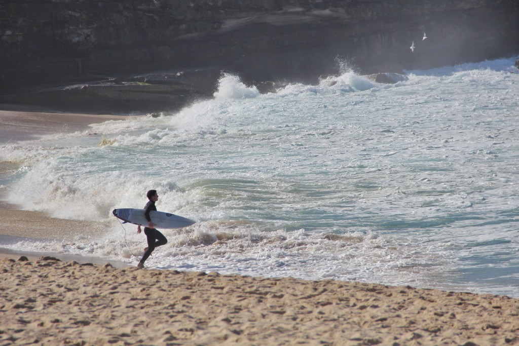 surfeur-course-beach-sydney
