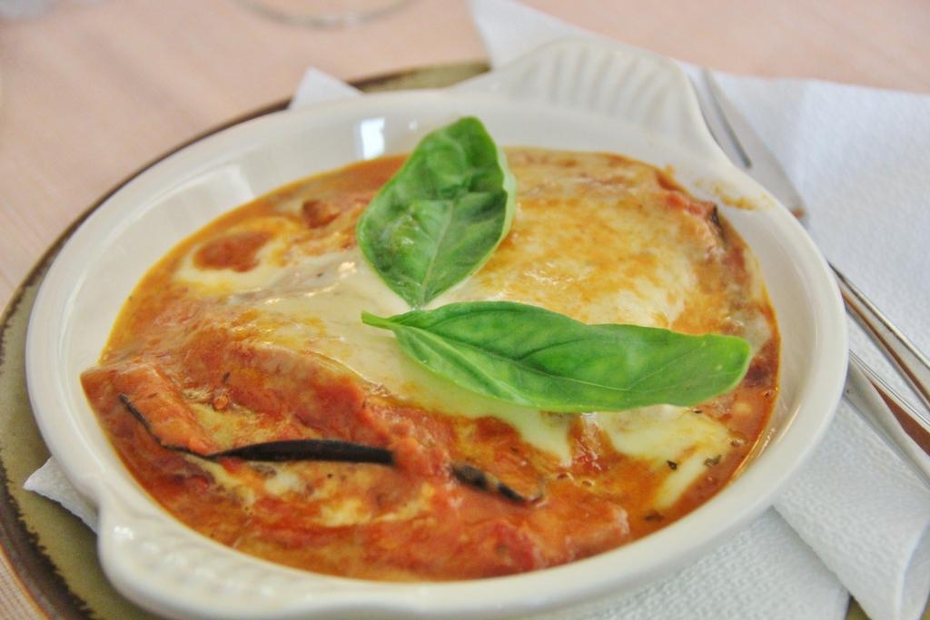 aubergines-parmigiana-milan
