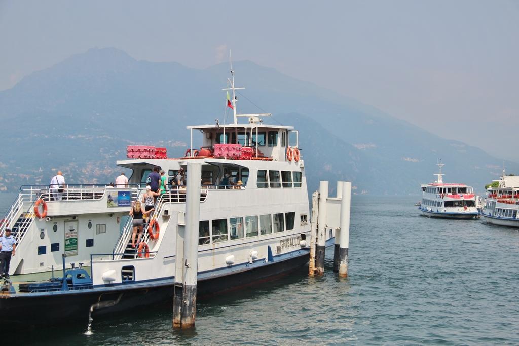 bateau-lac-come