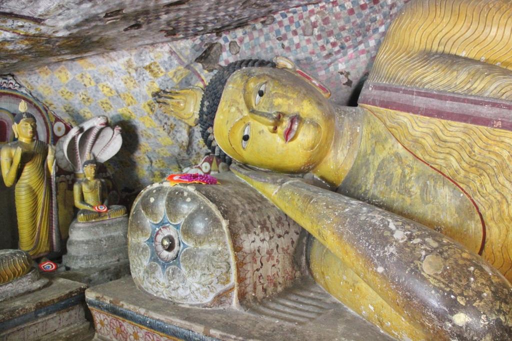 bouddha-dambulla-sri-lanka