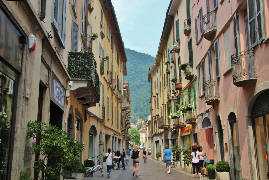 rue-lac-come