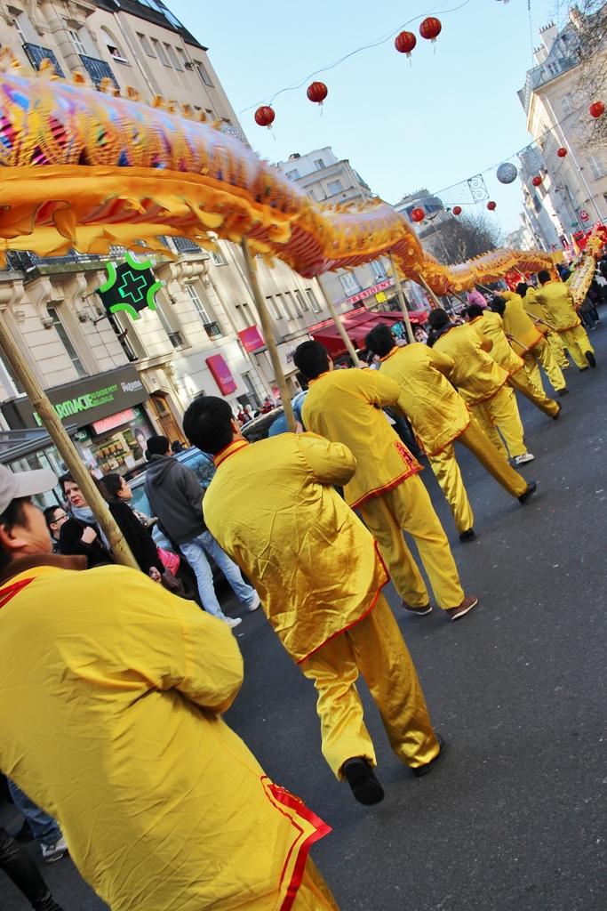 danseurs-nouvel-an-chinois-defile-belleville