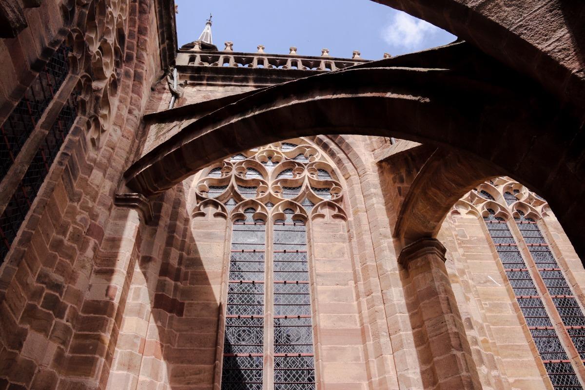 architecture toit de la cathédrale de Rodez